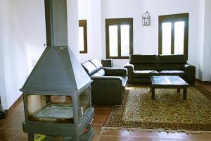 Vista del salón y su chimenea - Zafarrancho